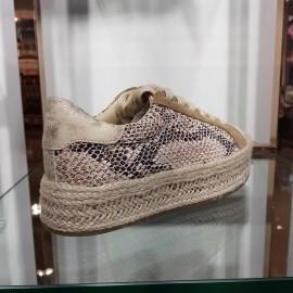 Basket compensée beige aspect serpent