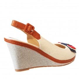 Sandale beige à talon compensée